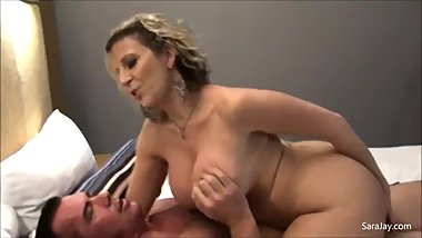 Sara jay fucks a chubby guy
